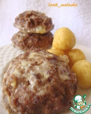 Meatball with cheese stuffing