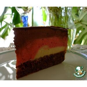 Торт Клубнично-бананово-шоколадный мусс