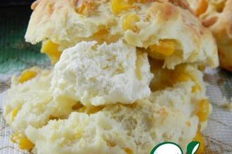 Рецепт: Сырные булочки со сладкой кукурузой