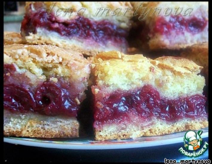 Рецепт: Простой вишнeвый пирог