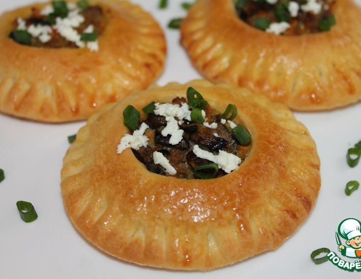 Рецепт: Булочки закусочные с фаршем и грибами