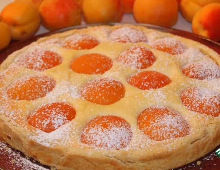 Рецепт: Пирог с творогом и абрикосами