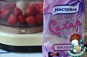 """Клубничный """"чизкейк"""" без сыра – кулинарный рецепт"""