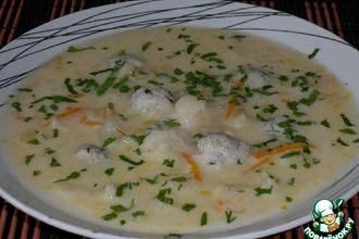 Рецепт: Сырный суп с куриными фрикадельками