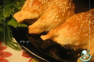 Рецепт: Закусочные слойки с начинкой Жульен