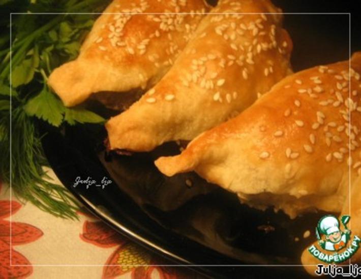 Рецепт: Закусочные слойки с начинкой Жюльен