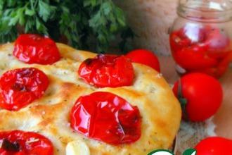 Рецепт: Картофельная фокачча с печеными помидорами