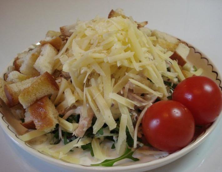 "Рецепт: Салат с курицей ""Сазар"""