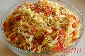 Рецепт: Азиатский салат из лапши с креветками