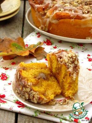 Рецепт: Тыквенные булочки с орехами и коричневым сахаром
