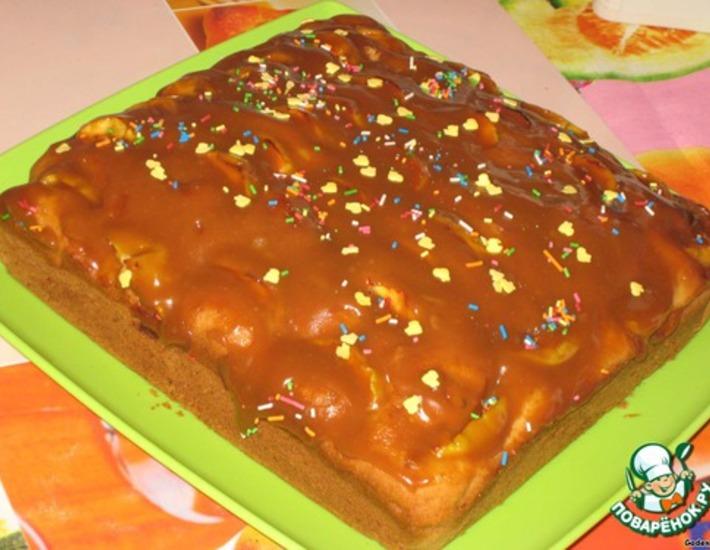Яблочный пирог с карамельно-сливочной заливкой – кулинарный рецепт