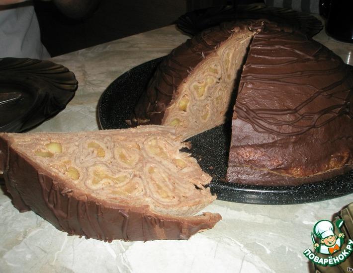 Рецепт: Блинный торт с шоколадным кремом и яблоками
