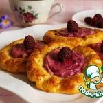 Запеченные сырники с ягодно-кремовой начинкой