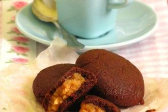 Рецепт: Шоколадные подушечки с начинкой из арахисовой пасты