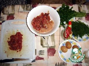 Нарезать так же мелко говяжье филе.