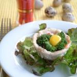 Куриные корзинки с моцареллой, креветками и брокколи