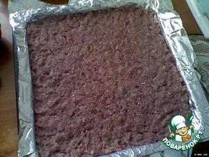 Противень застелить фольгой (лучше в два слоя), фольгу смазать растительным маслом, включая бока.