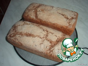 Ready bread immediately after baking, sprinkle with water, cover with a towel and cool on a wire rack.  Bon appetit!