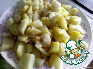 Картофель обжарить в масле, но только отдельно от печени.