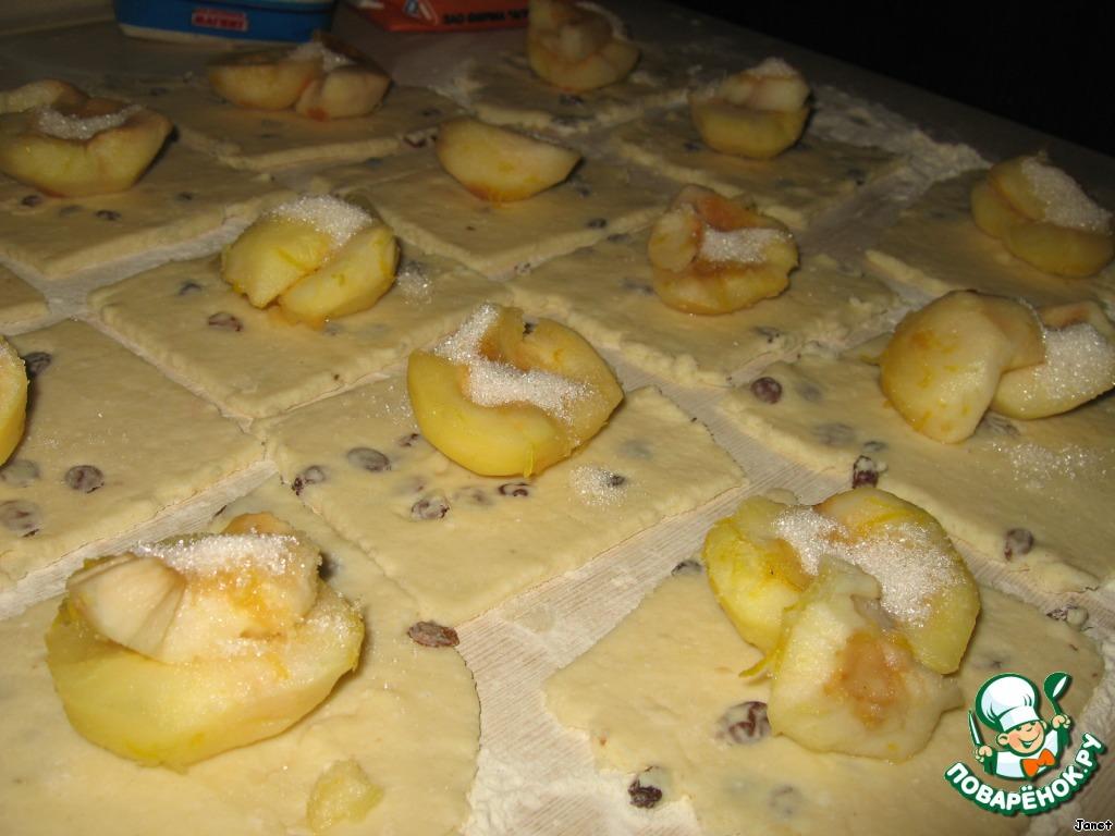 Яблоки в творожной шубе с карамелью