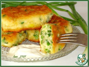 Pancakes on kefir with green onions