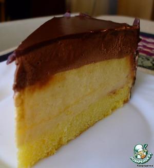 Cake with mango mousse