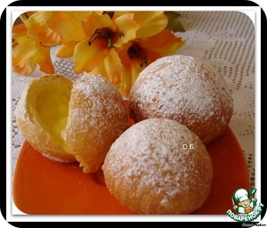 Donuts with custard