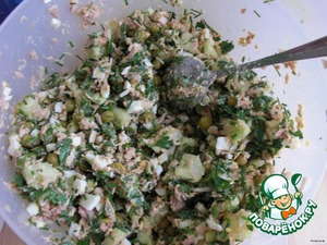 Eggs boiled and finely chop.  Finely chop the greens. Here I have dill, cilantro, and green onions.  Eggs and greens to add to salad, mix well, season with mayonnaise and you are ready to eat.   This salad can be done without polka dots - also delicious.