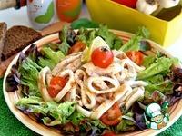 Салат из грилованной куриной грудки и кальмаров с зеленью за 15 минут ингредиенты