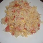 Жареный рис с яйцом и беконом
