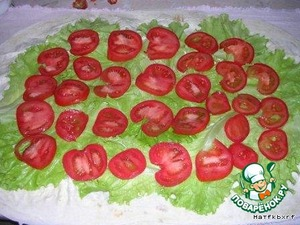 On the salad put the mugs of tomatoes