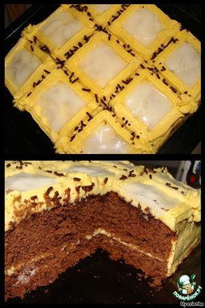 Все! отправила торт в холодильник.   Сегодня сняли пробу - удивительно нежный бисквит, нежный не приторный крем, алкоголь не чувствуется, но вчера (пока делала и пробовала :) ) настроение у меня хорошо поднялось...
