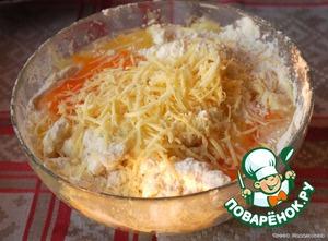 добавить 50 г сыра, муку и яйца, вымесить тесто без комков.