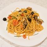 Легкая паста с грибами и оливками