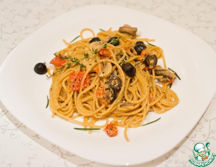 Рецепт: Легкая паста с грибами и оливками