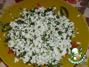 For cottage cheese filling: curd mash, squeezing a few cloves of garlic, potseluem and mix with chopped greens. You can take 50: 50 curd and cheese or Suluguni. Then you should not add some salt.