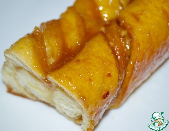 Рецепт: Косички с орехами в карамельно-медовом соусе