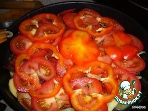 Затем помидоры и перец.