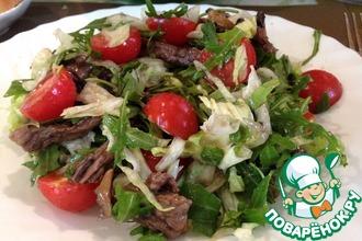 Рецепт: Теплый салат с рукколой и телятиной
