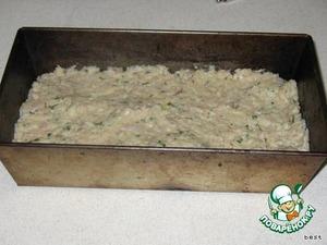 Выложить массу в формочку для кекса кирпичиком (среднего размера) и присыпать сверху тертым голландским сыром.    Не рекомендую делать в круглой форме - получается суховато.      Выпекать 1 час при 180°С.
