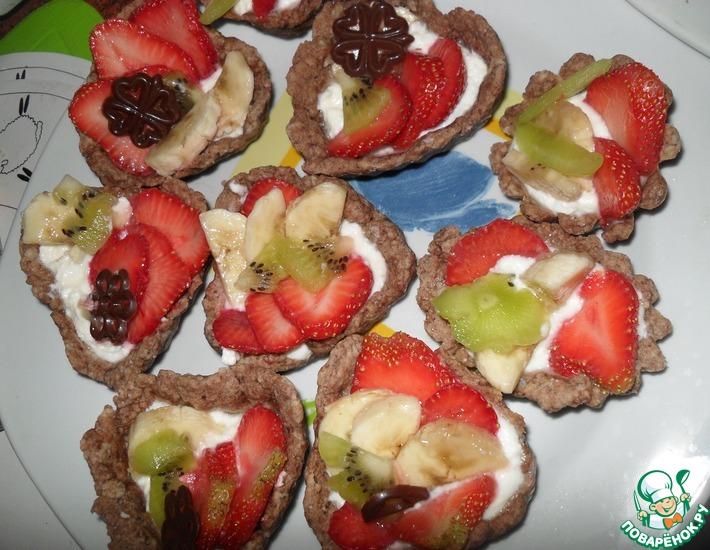 Рецепт: Песочные корзиночки с фруктами