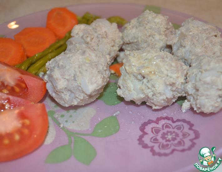 Рецепт: Легкие тефтели с курицей и геркулесом