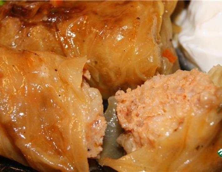 Рецепт: Голубцы в лeгком овощном соусе