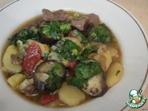 Готовое блюдо выкладываем на порционные тарелки и всем приятного аппетита!