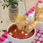 Здоровые чипсы с домашним соусом