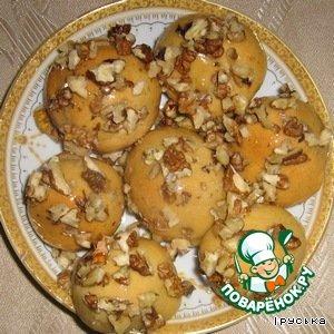 Затем обвалять в порезанных орешках. Приятного аппетита!