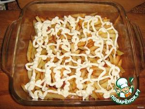 Салат укладываем слоями   1-й слой: картофель, майонез