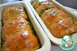 """Не вытаскивая хлеб из формы, обильно смазываем нашим """"соусом"""" и оставляем хлеб остужаться."""