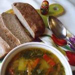 Легкий мясной супчик из шпината и болгарского перца