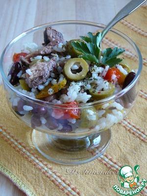 Рецепт Салат с рисом, фасолью, тунцом и вяленым перцем